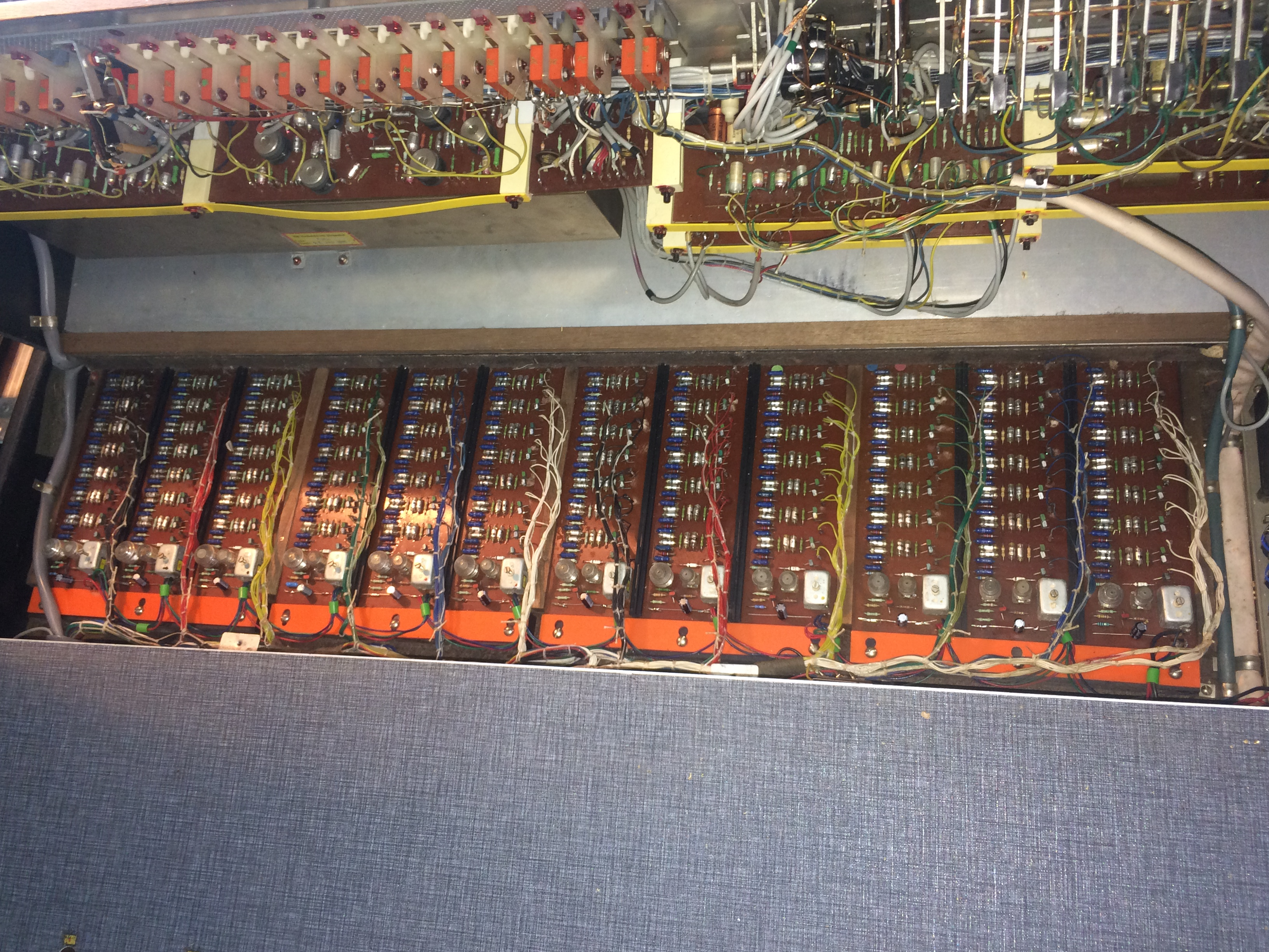 Admin Vintage Audio Repairs Tda1022 Reverberator Circuit Adjustable Coil Master Oscillator For Each Note Followed By Transistor Dividers These Circuits Are Incredibly Stable And Dont Drift Noticeably At All
